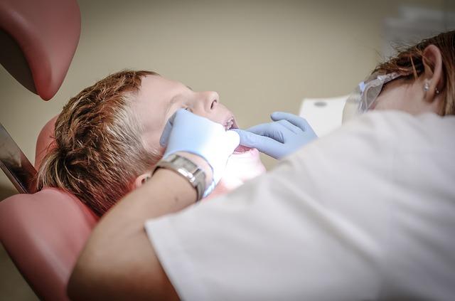 Choisir la mutuelle dentaire adaptée à vos besoins