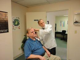 La prise en charge des troubles auditifs chez les plus de 50 ans